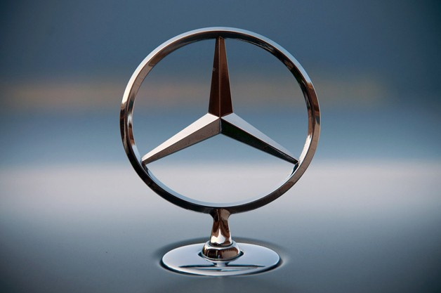 mercedes benz logo on the car